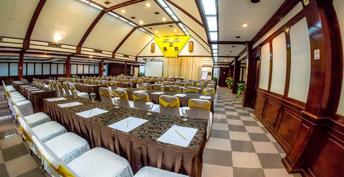area dalam ruang meeting pulau ayer