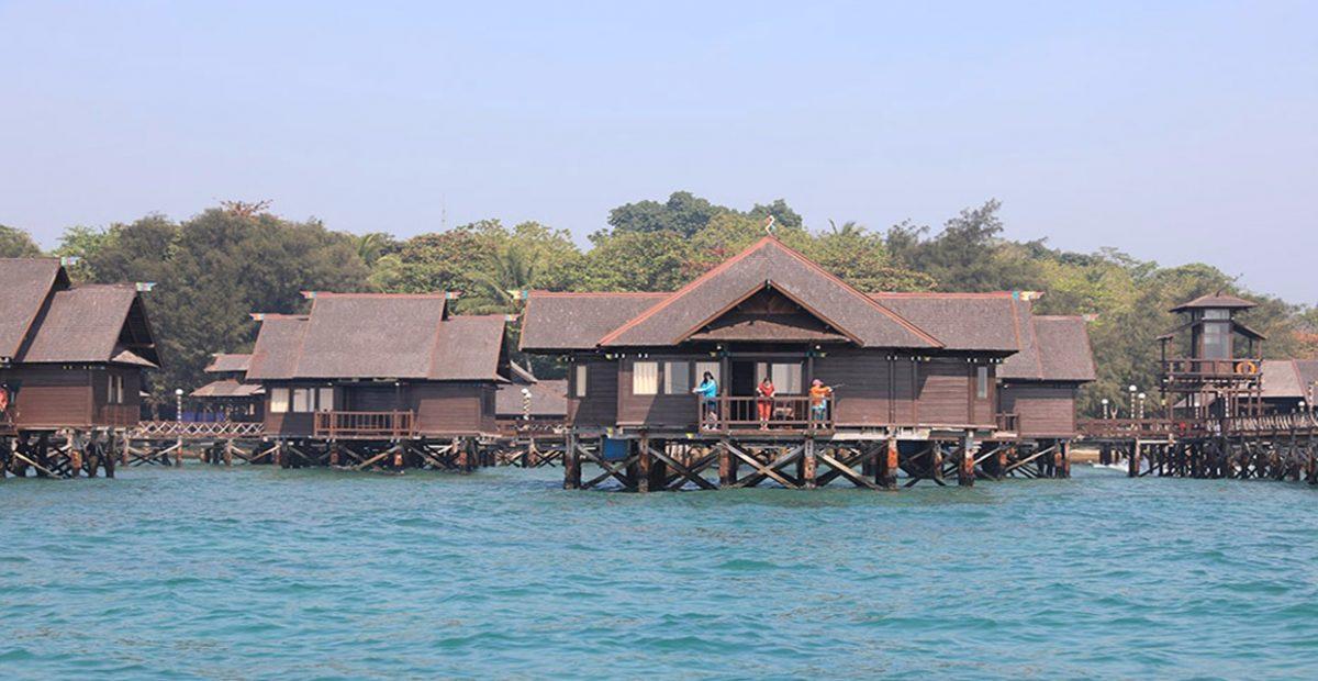 ragam floating cottage diatas air pulau ayer kepulauan seribu jakarta